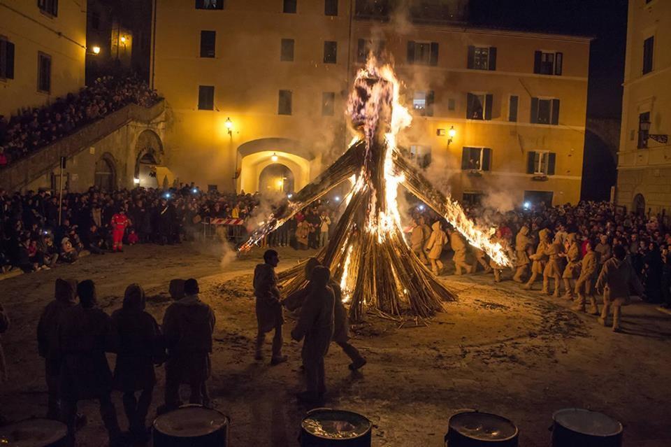 17-19 Marzo torciata di San Giuseppe Pitigliano